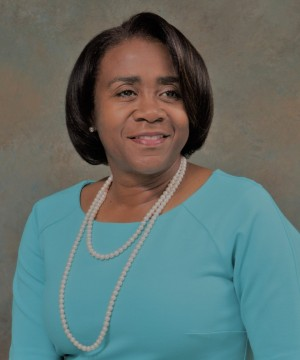 Dr. Cynthia  Cash-Greene