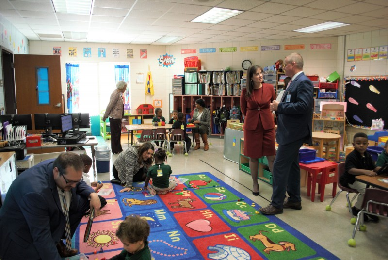NIET and DeSoto leaders visit classrooms