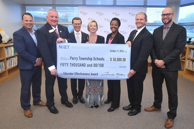Educators Celebrate NIET Educator Effectiveness Award to Perry Township Schools