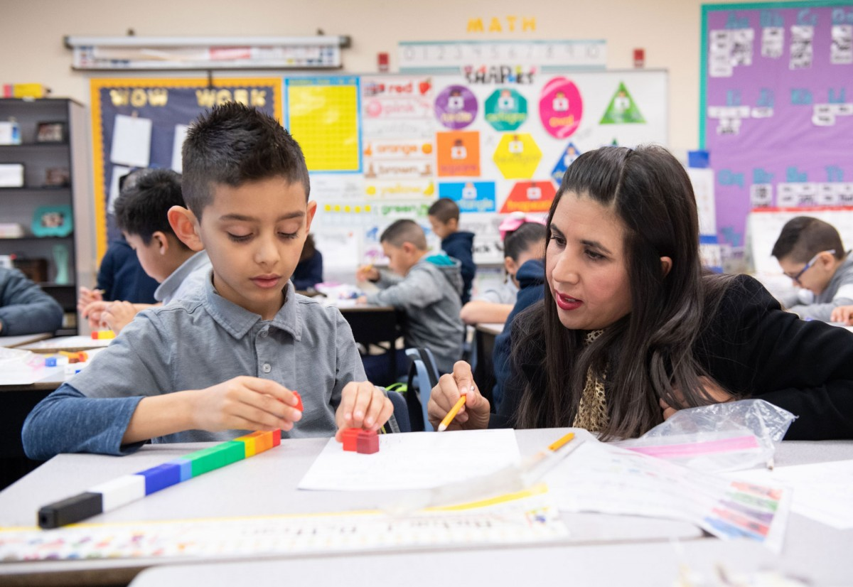 Desert View Elementary in Yuma County Earns $10,000 as NIET Founder's Award Finalist