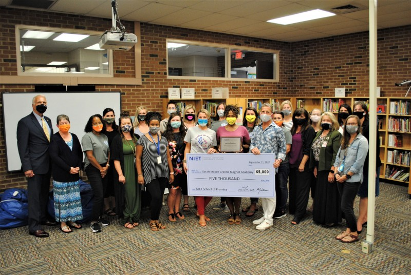 NIET, Knox County Schools, and Sarah Moore Greene Faculty Celebrate $5,000 School of Promise Award